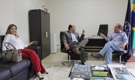 Dep Dâmina,  ex- prefeito Carlos Alberto Pereira e Prof. Scolforo na UFLA