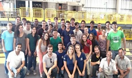 Universitários estiveram na unidade da VLI para conhecer os sistemas automatizados do complexo e as operações desenvolvidas na cidade.