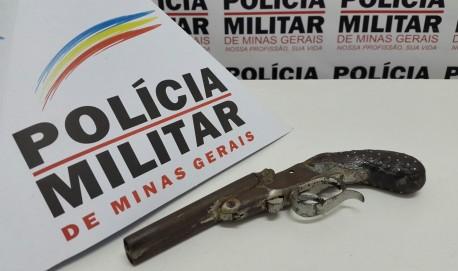 Arma apreendida ela PM (Foto: Divulgação)