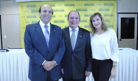 Carlos Alberto (Presidente Estadual do PSL), Reitor da UFLA, José Roberto Scolforo e a Deputada Dâmina Pereira.