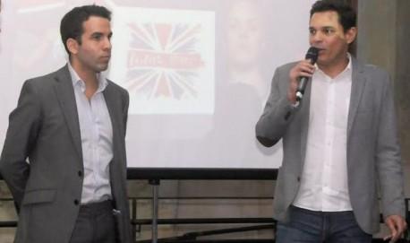 O cônsul britânico Thomas Nemes e o subsecretário de Tecnologia, Leonardo Dias, na apresentação do game (foto: Marcos Vieira/EM/D.A Press )