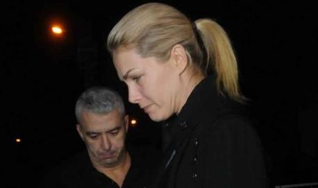 Ana Hickmann e o marido Alexandre Corrêa na saída da delegacia em BH (foto: Marcos Vieira/EM/D.A.Press).
