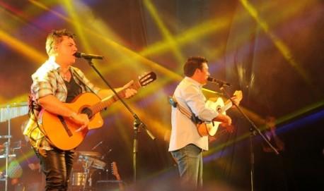 A dupla Cezar & Paulinho, de Piracicaba (SP), vem para animar a festa. Foto: Rubens Santiago