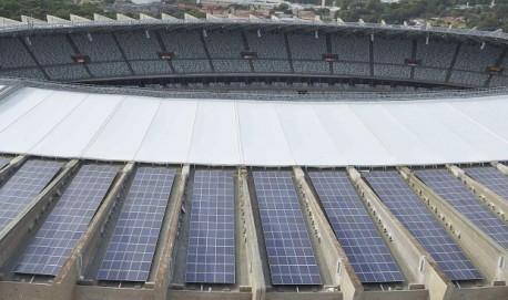Gigante da Pampulha. Com a reforma para a Copa do Mundo de 2014, Mineirão ganhou 6.000 painéis solares para geração própria.