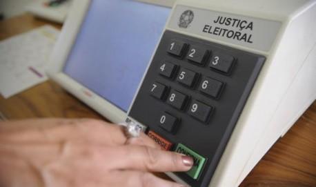 Eleitores de 55 municípios voltarão às urnas domingo (30), no segundo turno de votação (Agência Brasil/Fabio Rodrigues Pozzebom)