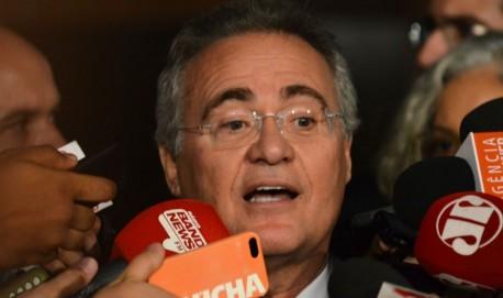 Renan Calheiros fala com Imprensa após decisão da Mesa do Senado